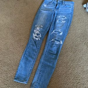 BRAND NEW AEO JEANS !!